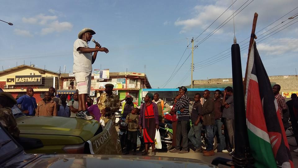 Jim_talking to Kitengela